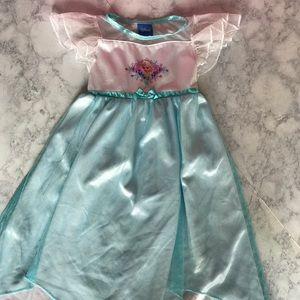 Frozen's Princess Elsa nightgown
